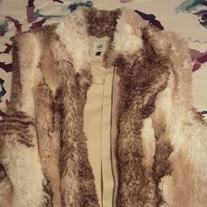 CAbi Aspen foau fur zip up vest Size Large